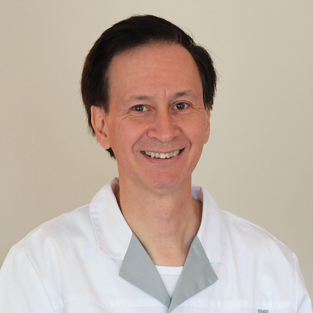 Emile DOM, Drs.